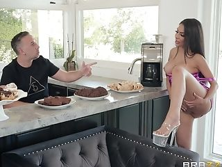 Gonzo Missionary Fuck In The Kitchen With Housewife Lela Starlet