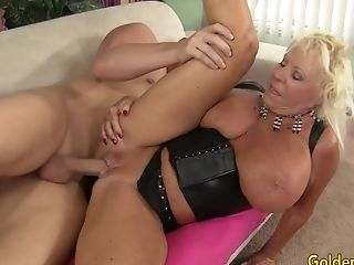 Horny Big Tits Gilf Mandi Mcgraw Has An Insatiable Appetite For Hard Jizz-shotguns