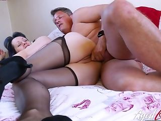 Matures Woman Tigger Is Having Dirty Hookup Joy With One Non-traditional Dude