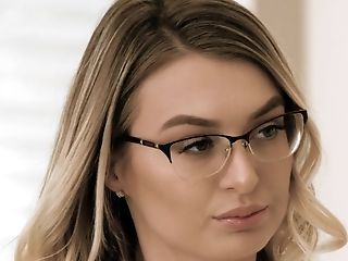 Right Before Pounding In Standing Pose Nerdy Natalia Starr Gives Supreme Bj