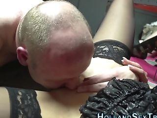 Dutch Hooker Gets Tongued