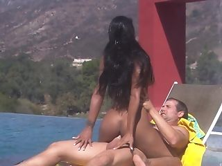 Bombshell Swimsuit Cougar Stunner Dee Baker Rails Dick Outdoors By The Pool