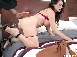 Stranger Sends Reagan Foxx A Dick Pic And She Runs Over To Fuck Him