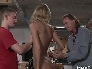 Tall Long-legged Czech Jenny Clever Gets Into Working On Dicks In The Garage