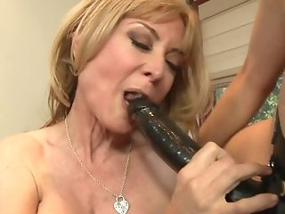 Nina Hartley Group-fucked By These Hot Lezzy Chicks