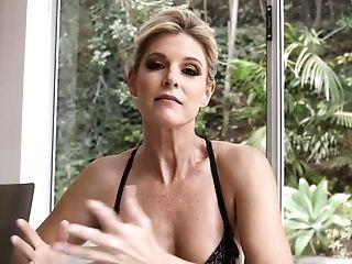 Alluring Stunner India Summer Seems To Be Indeed Into Some Oral Session