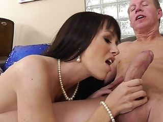 Hot Black-haired Cougar Gets A Wild Assfuck Banging