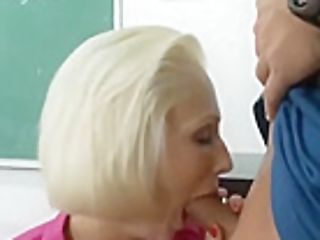 Taunting Ash-blonde Experienced Woman Kasey Grant Providing A Beautiful Bj