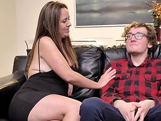Hot Lustful Mummy And Nerdy Stepson