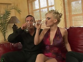 For Those Who Love A Threesome Amazing Blonde Britney Got The Power