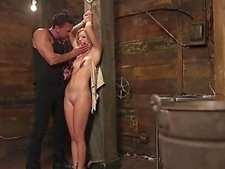 Cougar Plays Obedient With Junior Top Masculine To Fuck Her