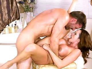 Fucking Before Bathtime With A Big Titted Cougar