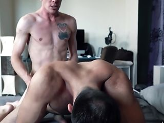 Horny Beau Gets His Love Tunnel Pounded By A Mad Pecker