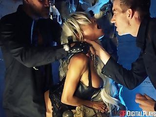 Alyssa Divine Cannot Stand Against Two Fellows's Massive Boners