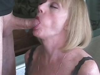 Fledgling Gilf Plays With Granny Vulva