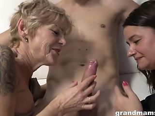 Granny 3some Fuck-fest Have Fun - Old Whore And Legitimate-years-old