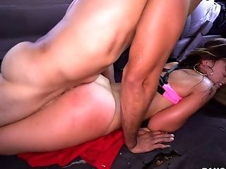 Curvy Dark Haired Chick Kelsi Monroe Drilled Well In Dude's Car