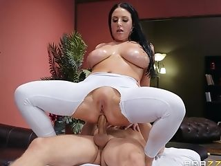 Angela Milky Adores Good Fuck With Her Maseur On The Rubdown Table