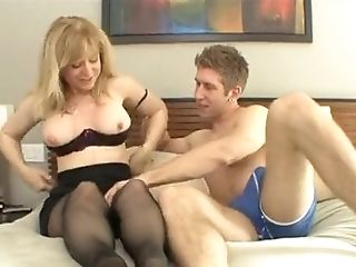 Matures Lady Fucking Dirty With Youthful Boy