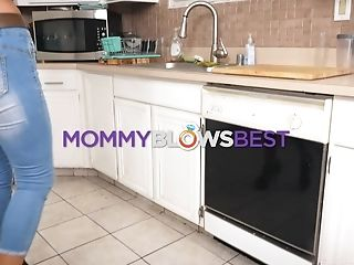 Sexy Stepmom Becky Bandini Shows A Dt Master Class Standing On Her Knees