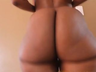 Big Booty Clapping