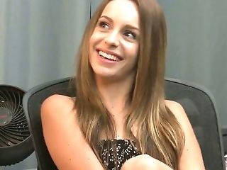 Youthful Stepdaughter Kimmy Granger Is Having Girl-on-girl Hump Joy With Bodacious Stepmom