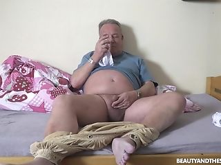 Senior Guy's Energized Dick Suits This Petite Chick Big Time