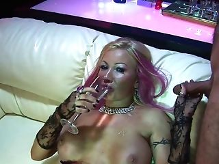 Whorish Look Stunner With Big Face Globes Fucks And Deep Throats Dick In A Bar