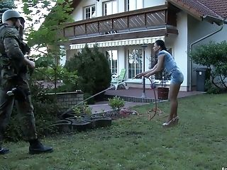 Piss Kink Chick Evelina Darling Hooks Up With One Stranger And Pisses On His Manstick