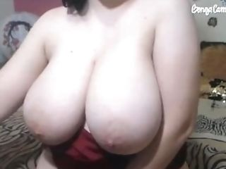 Big Tits Mom Plays With Vulva For Sonnie On Live Flash