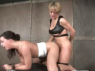 Big Tittied Mistress Dee Williams Puts On Strap-on And Fucks Tied Up Hooker