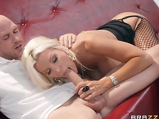 Brittany Andrews Gets Her Fuckbox Banged In All Possible Poses By A Dude
