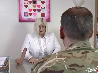 Matures Lady Wild Xxx Fucky-fucky With Experienced Horny Soldier