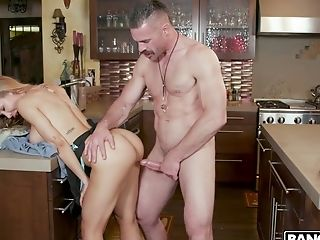 Step-brother-in-law Can't Resits Fucking Nude Nicole Aniston Wearing Only Apron