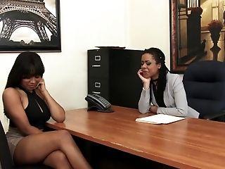 Black Lezzies Jenna And Kira Jism Hard With Fucking Machine